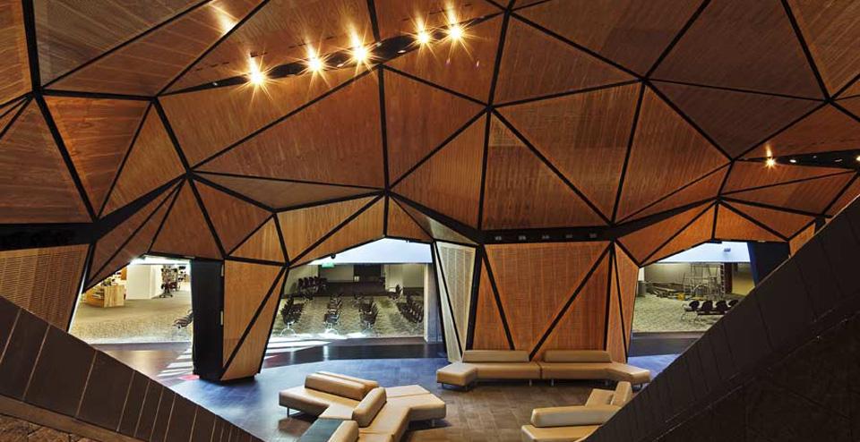 دکوراسیون و طراحی داخلی سقف ساختمان