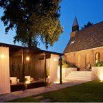 بازسازی کلیسا و تبدیل آن به خانه مسکونی
