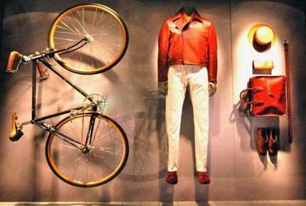 طراحی ویترین مغازه پوشاک
