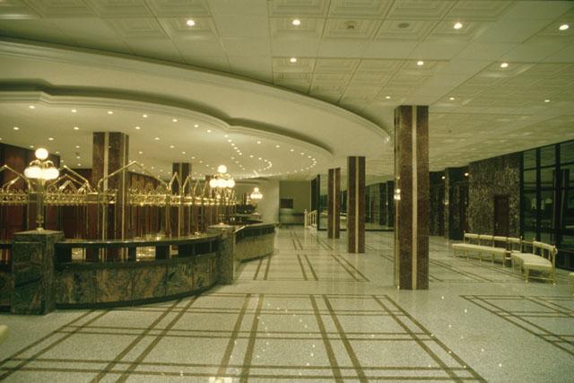 بازسازی داخلی تالار