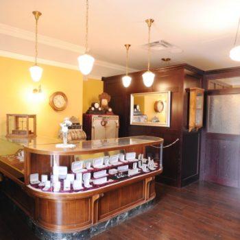 بازسازی داخلی جواهر فروشی