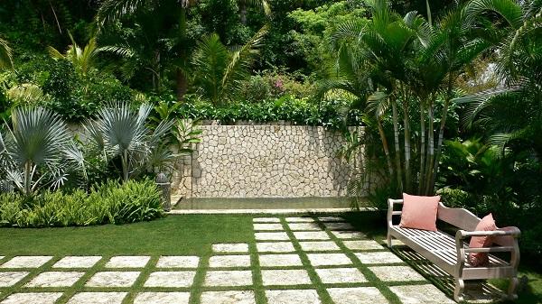 بازسازی داخلی حیاط