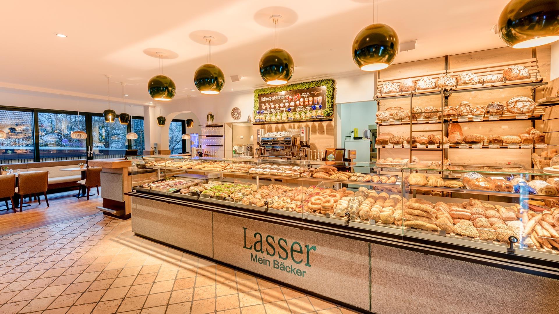 بازسازی داخلی شیرینی فروشی